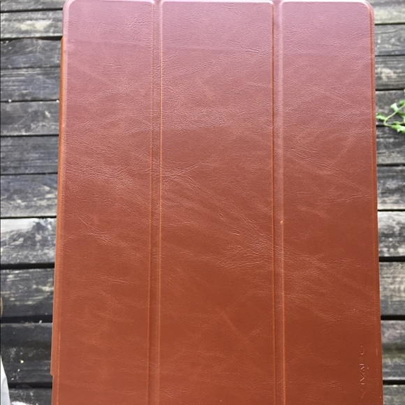timeless design 4d3c6 bd3d7 Ivapo iPad Pro case -10.5 inches Brown NWT
